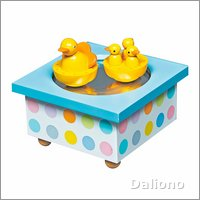 Trousselier musical wooden box ducks