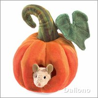 Folkmanis finger puppet mouse in pumpkin